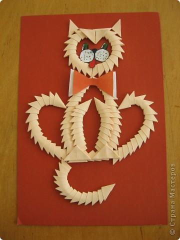 Сделала детям для образца на урок труда вот такого мартовского кота! Как-то привычнее делать объёмные поделки в технике модульного оригами, а тут плоскостная! Но хуже, я думаю, она от этого не стала! фото 1