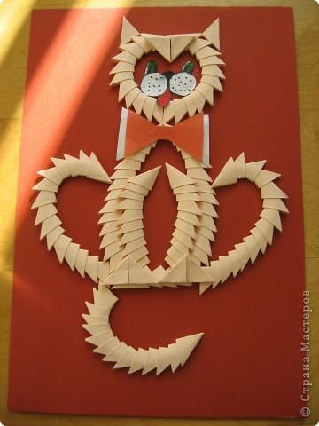 Сделала детям для образца на урок труда вот такого мартовского кота! Как-то привычнее делать объёмные поделки в технике модульного оригами, а тут плоскостная! Но хуже, я думаю, она от этого не стала! фото 2