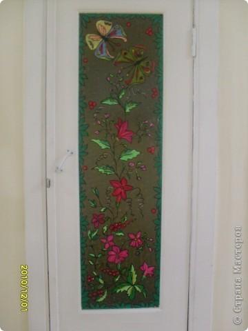 Роспись стекла, попытались украсить двери подсобок с детьми, по-моему у нас получилось! фото 2