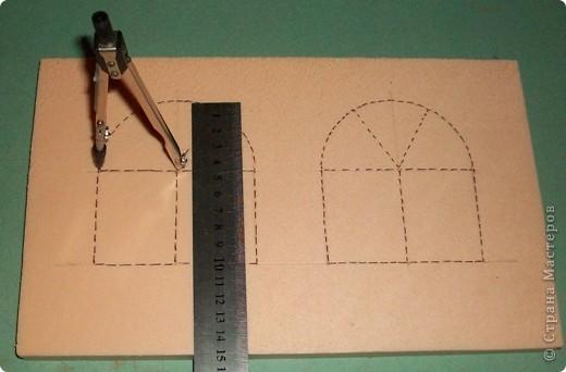 Вот еще такой маленький домик удалось смастерить в детский садик. Основной материал - это пенополистирол. фото 3