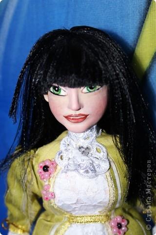 Вот наконец-то у меня поселилась куколка Марийки Андриенко))) Знакомьтесь - Элина))). Девушка с характером и большими зелеными глазами. фото 3