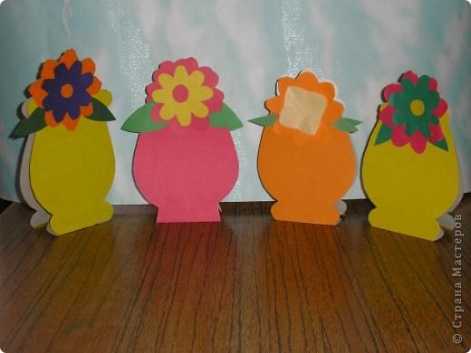 Не заметно подкрался мамин праздник.  Ещё в прошлом году увидела эти замечательные горшочки с цветами http://stranamasterov.ru/node/53295 . И вот мои первоклашки вырастили целую клумбу. Приглашаю полюбоваться. фото 3