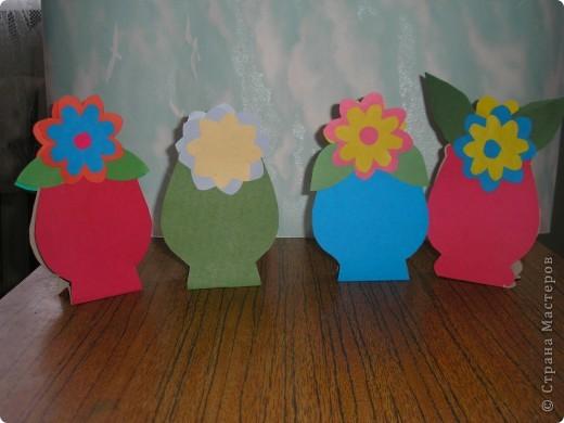 Не заметно подкрался мамин праздник.  Ещё в прошлом году увидела эти замечательные горшочки с цветами http://stranamasterov.ru/node/53295 . И вот мои первоклашки вырастили целую клумбу. Приглашаю полюбоваться. фото 4
