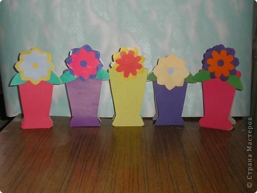 Не заметно подкрался мамин праздник.  Ещё в прошлом году увидела эти замечательные горшочки с цветами http://stranamasterov.ru/node/53295 . И вот мои первоклашки вырастили целую клумбу. Приглашаю полюбоваться. фото 5