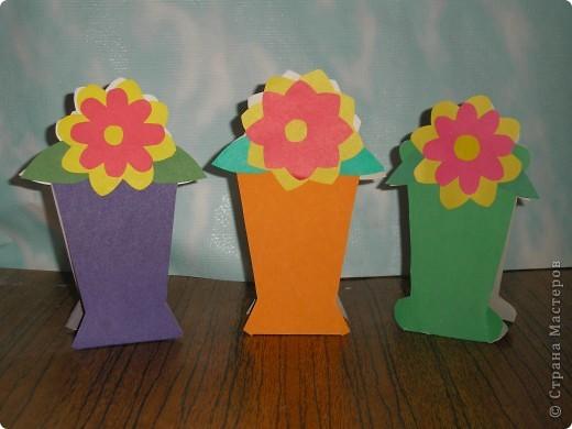 Не заметно подкрался мамин праздник.  Ещё в прошлом году увидела эти замечательные горшочки с цветами http://stranamasterov.ru/node/53295 . И вот мои первоклашки вырастили целую клумбу. Приглашаю полюбоваться. фото 6