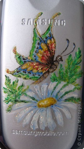 Бабочка на ромашке.Рисунок на сотовом телефоне фото 1