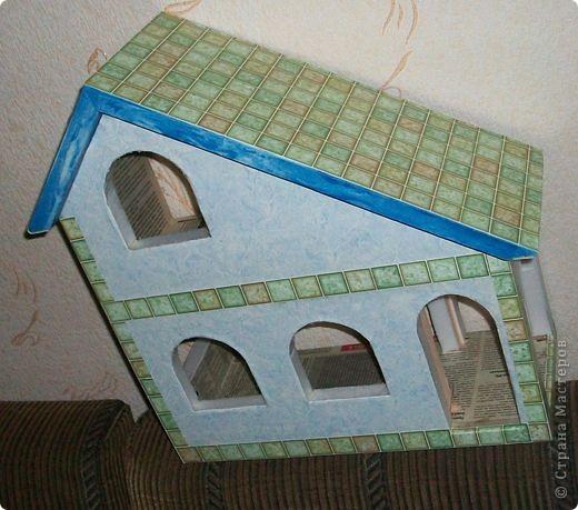 Вот еще такой маленький домик удалось смастерить в детский садик. Основной материал - это пенополистирол. фото 24