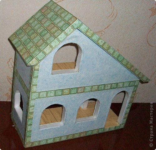 Вот еще такой маленький домик удалось смастерить в детский садик. Основной материал - это пенополистирол. фото 25