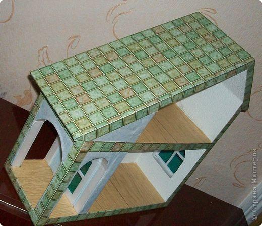 Вот еще такой маленький домик удалось смастерить в детский садик. Основной материал - это пенополистирол. фото 37