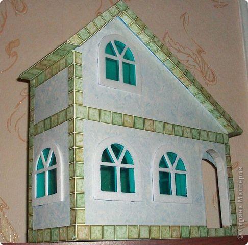 Вот еще такой маленький домик удалось смастерить в детский садик. Основной материал - это пенополистирол. фото 38