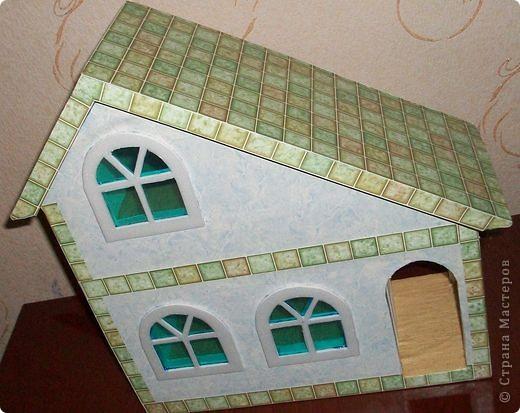 Вот еще такой маленький домик удалось смастерить в детский садик. Основной материал - это пенополистирол. фото 40