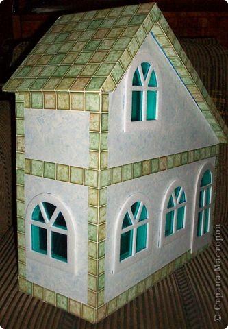 Вот еще такой маленький домик удалось смастерить в детский садик. Основной материал - это пенополистирол. фото 44