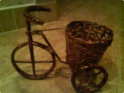 вот мой велосипед, спасибо мастерицам никогда не плела из газет вот мой первый опыт, выношу на ваш суд))) фото 2