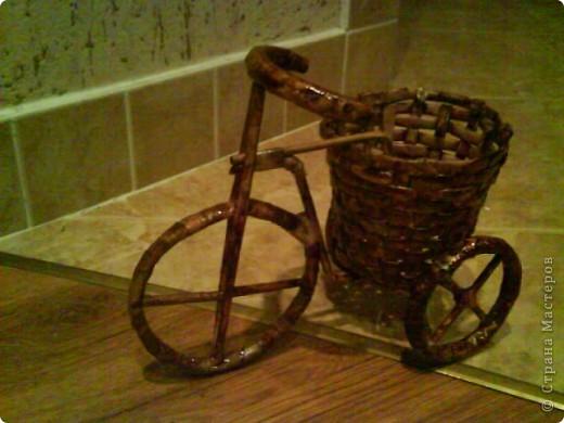вот мой велосипед, спасибо мастерицам никогда не плела из газет вот мой первый опыт, выношу на ваш суд))) фото 1