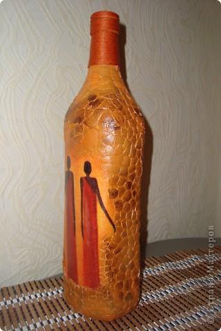 Насмотрелась на африканские бутылки и яичное кракле и загрелось... Вот что из этого вышло. Выбор салфеток на эту тему у меня  не велик, всего одна)))). Бутылку сделала по заказу коллеги по работе. Завтра покажу ей, надеюсь не разочарую. фото 2