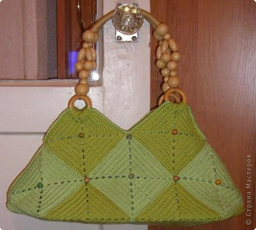 Такая сумочка была задумана уже давно. Квадраты были связаны еще в конце прошлого лета. Всего - 17 штук фото 2