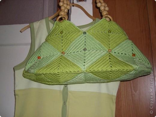 Такая сумочка была задумана уже давно. Квадраты были связаны еще в конце прошлого лета. Всего - 17 штук фото 3