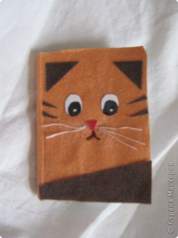 как сделать мордочку кошки тут http://stranamasterov.ru/node/152617?c=favorite я только глазки сама нарисовала фото 1