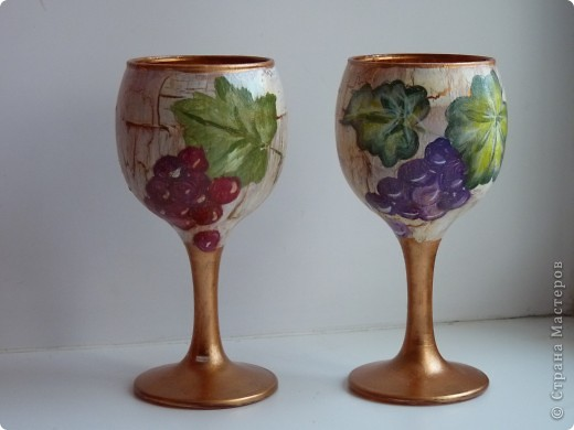 Набор для коньяка вот эти бокалы-нарисовала цветочки на другом-кисть винограда,но это не окончательный вариант,бутвлочка пока под ? фото 7