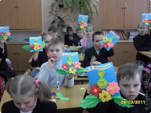 Вот такие открыточки  ребята делали своим мамам. фото 6