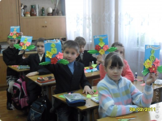 Вот такие открыточки  ребята делали своим мамам. фото 7