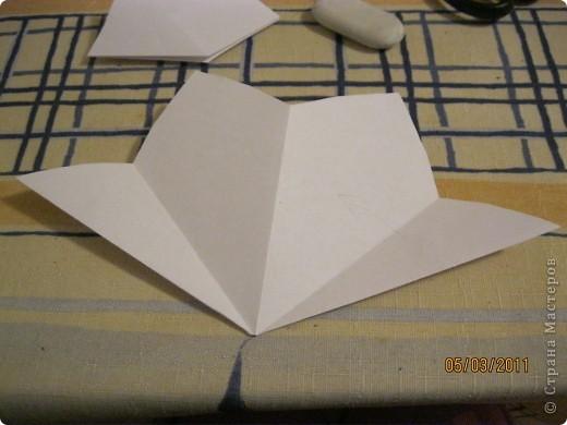 Вот такой трансформер - не трансформер у меня получился!.. От этого МК : http://stranamasterov.ru/node/133940#comment-1257193 , у меня осталось очень много неполучившихся деталек. И покрутив её в руках, я изобрела трансформер. фото 17