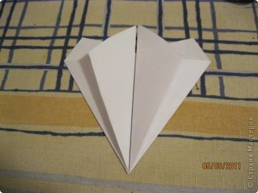 Вот такой трансформер - не трансформер у меня получился!.. От этого МК : http://stranamasterov.ru/node/133940#comment-1257193 , у меня осталось очень много неполучившихся деталек. И покрутив её в руках, я изобрела трансформер. фото 20