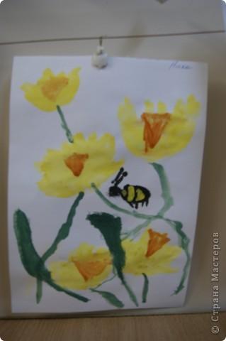 так мы учились рисовать букет маме,работы детей5 лет. фото 2