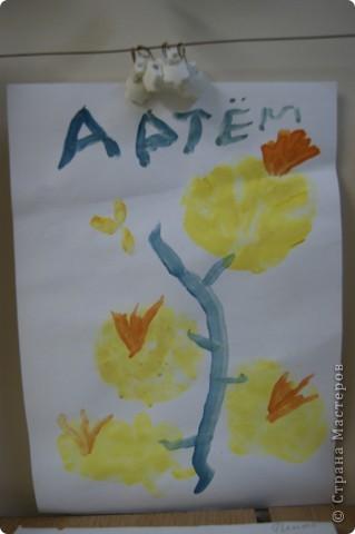 так мы учились рисовать букет маме,работы детей5 лет. фото 3
