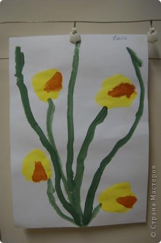 так мы учились рисовать букет маме,работы детей5 лет. фото 6