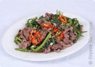Ингредиенты: 500гр. мяса 1 головка чеснока соевый соус говяжий жир соль, перец