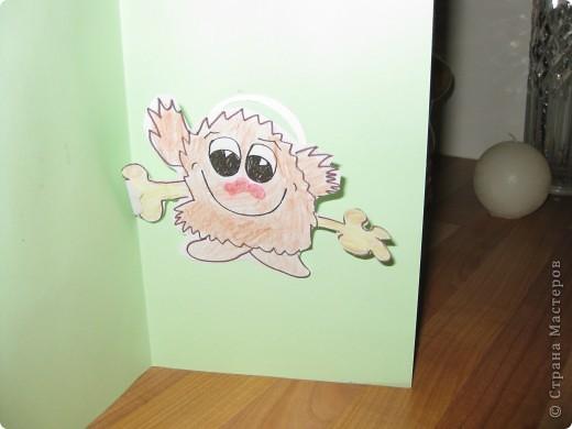 Это открытка с сюрпризом - с пружинкой-спиралькой внутри.Идея из журнала /Дошкольное воспитание/ 80гг.Надеюсь ,что пригодится для Вашего творчества! Вот так она может выглядеть снаружи... фото 8