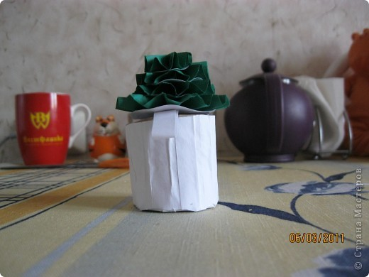 Вот такую шкатулочку я недавно сделала. Вот этот сайт: http://www.liveinternet.ru/users/bird_the_phoenix/post132700164/ фото 1