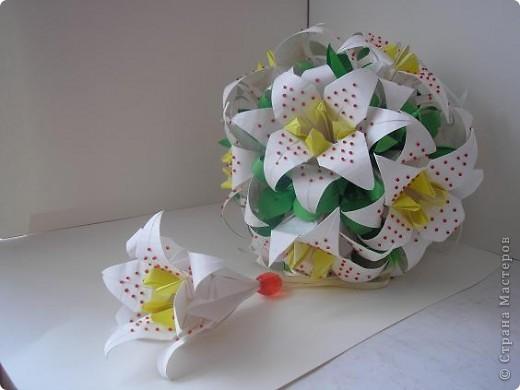 Белая лилия Бумага фото 2