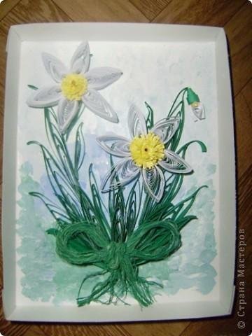 мои первые цветы, пока идеи я только подсматриваю. эту работу я сделала по мастер классу MaryBond http://stranamasterov.ru/node/43135 пока без рамочки