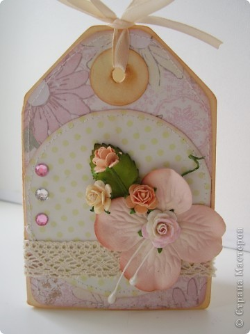 Привет всем прекрасным, очаровательным, незабвенным, потрясающим и сногшибательным! То есть, Вам, дорогие жительницы Страны! В предверии праздника Весны я с женскими открытками. Первые две открытки - малютки, размеров 7-9 см. фото 3