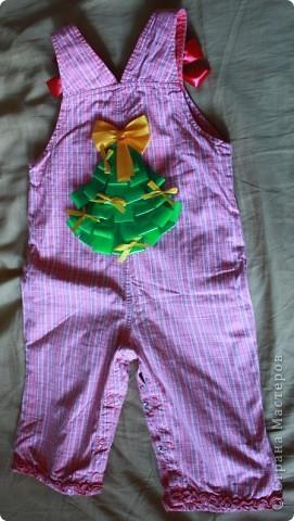 Заглядываю на eBay периодически, смотрю что в Штатах и Китае шьют детям. Увидела очаровательные трусики на ползающего малыша с аппликацией елочки на попе. Стоили они 14 долларов. Подумала, а что мешает самой такую прелесть сделать. фото 2