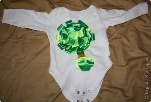 Заглядываю на eBay периодически, смотрю что в Штатах и Китае шьют детям. Увидела очаровательные трусики на ползающего малыша с аппликацией елочки на попе. Стоили они 14 долларов. Подумала, а что мешает самой такую прелесть сделать. фото 3