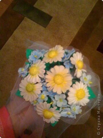 Мои ромашки. Пока неказистые, но по моему все равно симпатичные. Делала в подарок. Тете очень понравилось.