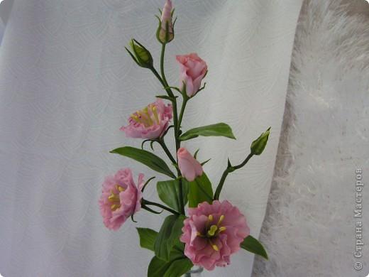 Слепила второй цветочек эустомы, остался ещё один для завершения букета. фото 5