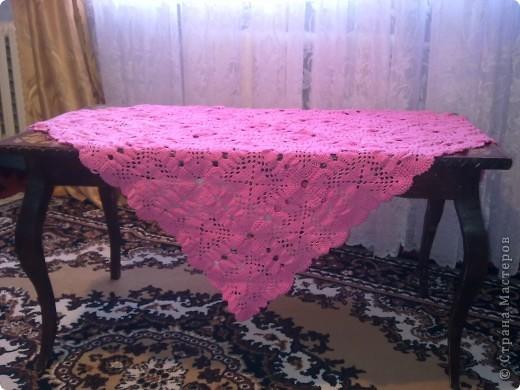 Вязанная скатерть на столик фото 1