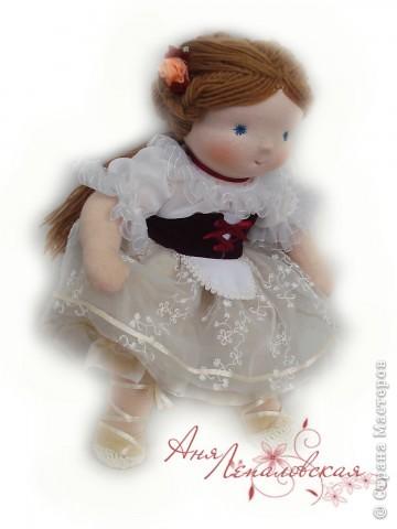 Нежная Жизель - кукла на заказ, по просьбе хозяйки, для того чтобы лучше передать образ Жизели использовались ненатуральные материалы - шифон и органза, поэтому это не 100% вальдорфская кукла :)) Зато какая красивая... фото 1