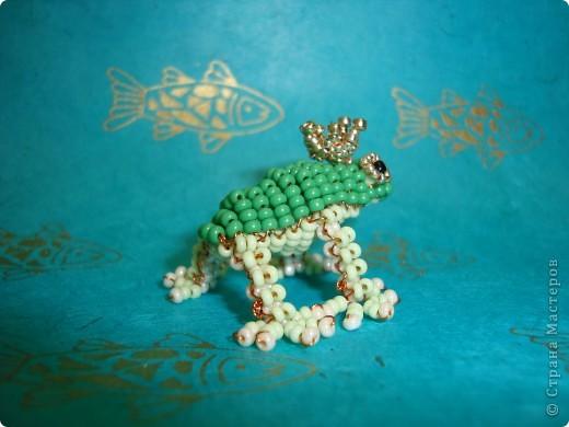Мастер-класc: Лягушка-принцесса из бисера.