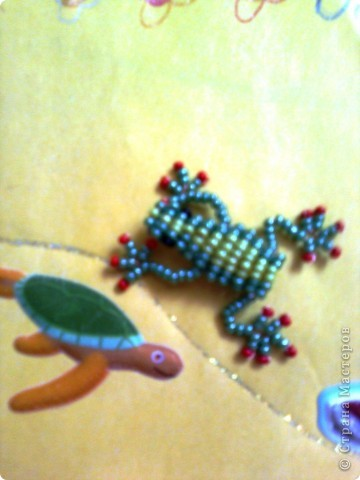 Открыли для себя объёмное плетение на проволоке - и вот наш первенец жаб-лягушенций! фото 2