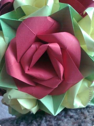 Первый раз делала розы, очень понравилось! Такой от меня был подарок маме на 8 Марта! фото 5