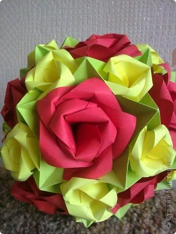 Первый раз делала розы, очень понравилось! Такой от меня был подарок маме на 8 Марта! фото 2