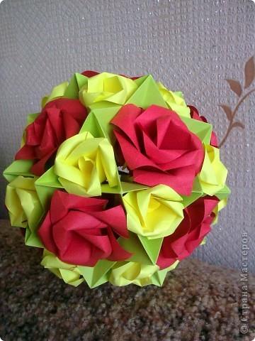 Первый раз делала розы, очень понравилось! Такой от меня был подарок маме на 8 Марта! фото 1