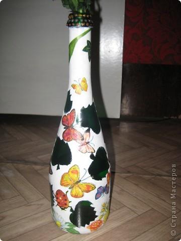 А бутылки-то  оказываются, зелёные, как берёзовые листочки... фото 1