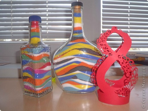 А вот и мои первые творения!Ажурная восьмёрочка и радужные бутылочки! фото 1