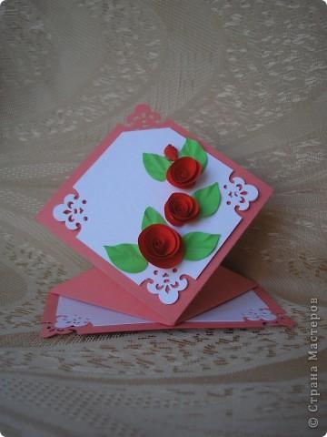 На эти открытки меня вдохновила вот эта работа http://stranamasterov.ru/node/52400?c=favorite . Спасибо автору за схемку. Восьмёрка с пушистиками. Основа - бумага для акварели, треугольники и квадрат за восьмёркой - обои виниловые, оранжевая окантовка - офисная бумага + фигурный дырокол для края, восьмёрка - бархатная бумага.  Жёлтые пушистики - то ли гигантские мимозы, то ли не очень крупные одуванчики. фото 2